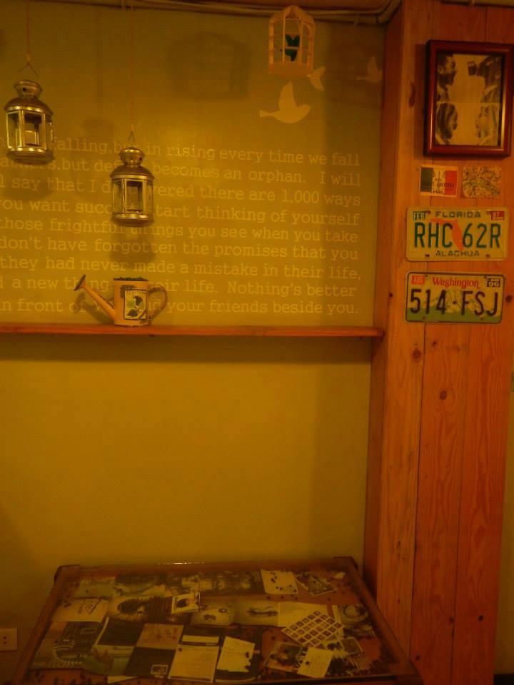 ドゥマゲッティーお勧めのカフェ 2ストーリーカフェ