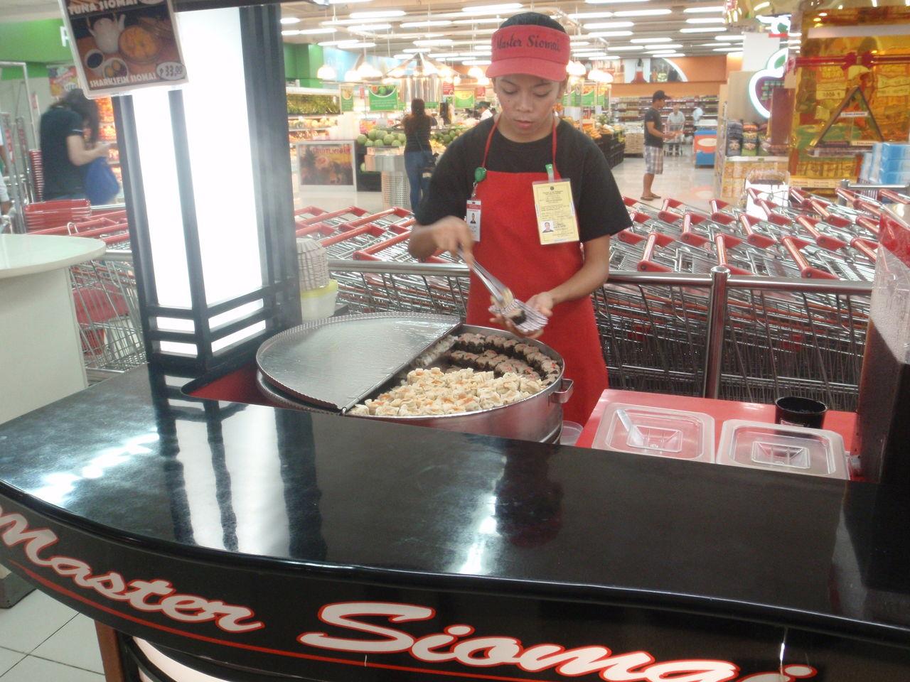 どっちが美味しい!?フィリピンの新旧人気ファーストフード