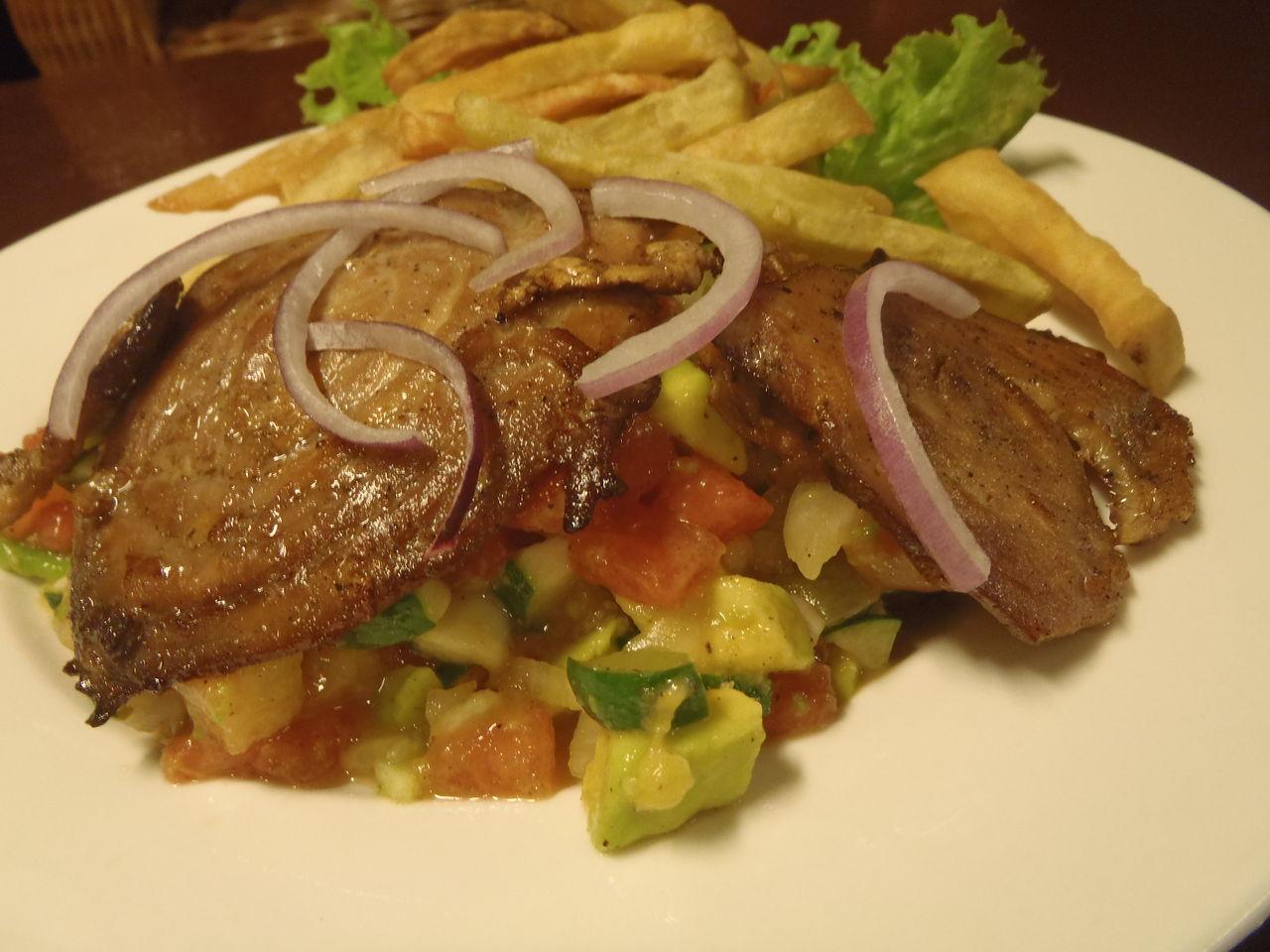 ドゥマゲテのオーガニックカフェのオーガニックなカフェ飯