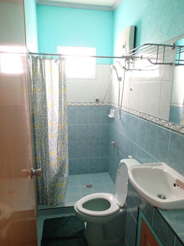 ダロアパートのバスルーム