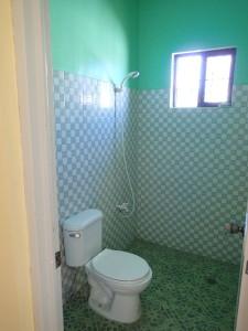 ダロ新築貸家トイレ