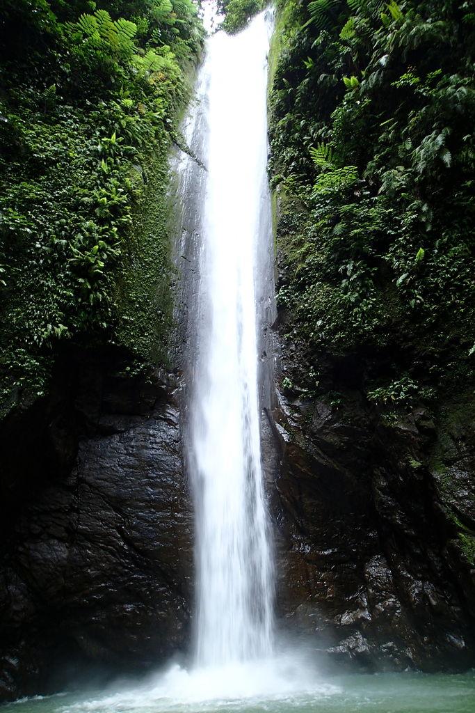 迫力満点カサロロの滝